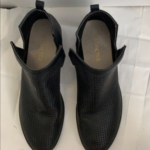 Restricted Shoes - black restricted ankle booties size 7.5